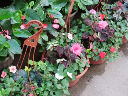 Mixed shade baskets